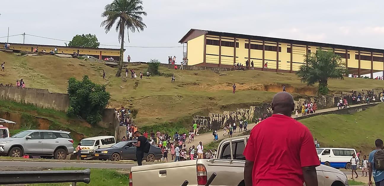 PK 6 célèbre quartier de Libreville pour ses bars et ses dépôts de musungu et de vin de palme / Gabonactu.com