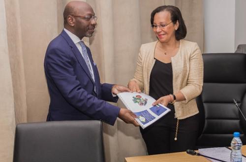 Alain Ba Oumar président de la CPG et le ministre du Travail Madeleine E. Berre