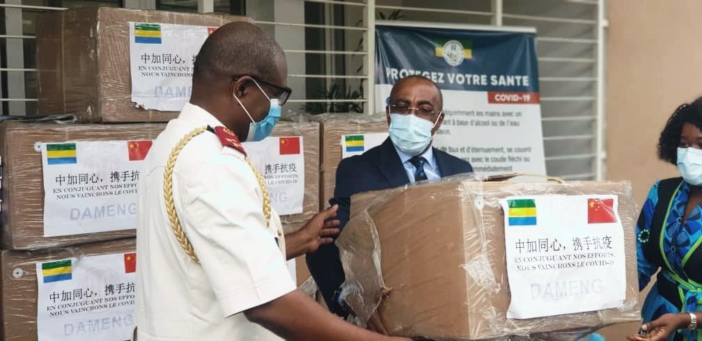 le COPIL receptionne un don de 50 000 masques contre le coronavirus / Gabonactu.com