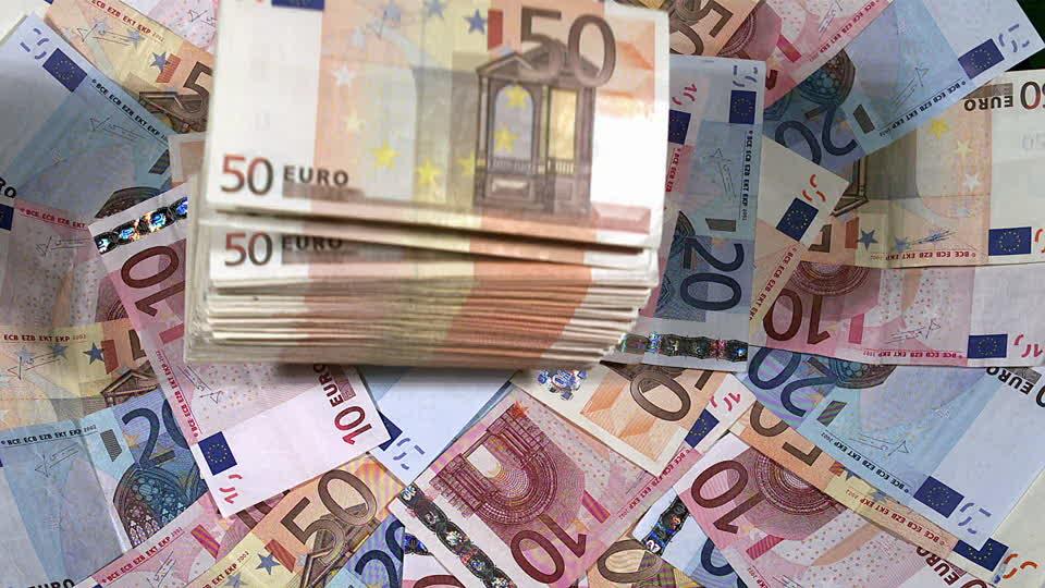 billets d'euros / Gabonactu.com