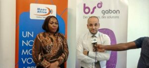 La responsable division communication de  Moov Africa-Gabon Telecom, Lea Seky Olouna et  Joseph Arnaud Nguangue Ebangue, expert en cyber sécurité  à BS Gabon ©  Gabonactu.com